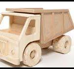 عرضه اسباب بازی چوبی